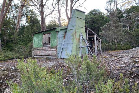 Halls Hut on Halls Island
